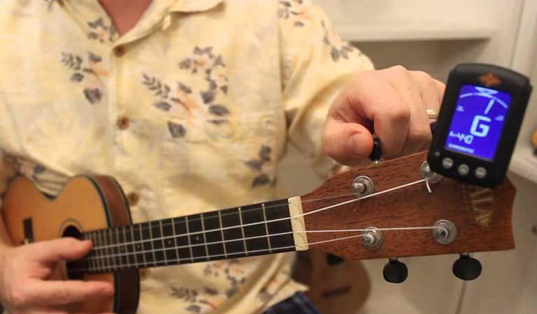کوک یوکللی و گیتار