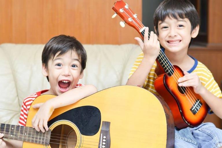 یوکللی و گیتار